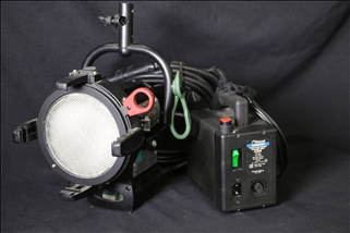 200 watt HMI (Fresnel, Par, Softlight)