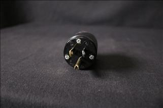 L6-20 Twist Lock Plug, Black 250v